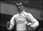 Jean-Claude Magnan est un escrimeur qui fut 6 fois champion de France, 3 fois champion du monde et médaillé d'or aux JO de Mexico en 68. Quelle était son arme, dont la lame est quadrangulaire ?