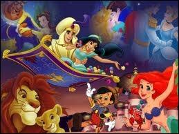 Que voit-on derrière Ariel et Pinocchio ?