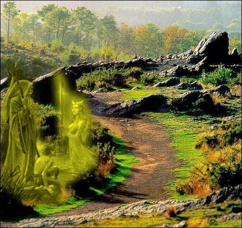 Brocéliande, forêt mythique de la légende arthurienne mettant en scène Merlin et les fées Morgane et Viviane est assimilée à quelle forêt bretonne ?