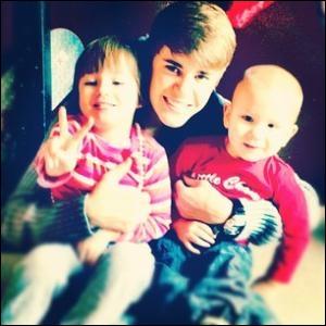 Coche les noms des freres et soeur de Justin.