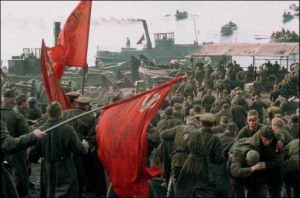 Qui joue le role de Könnig dans  Stalingrad  ?
