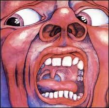 L'auteur de cette pochette, Barry Godber, mourut après la sortie de l'album. Ce fut son unique peinture à vie et l'une des plus célèbres pochettes de l'histoire du rock. Le groupe qui l'utilisa est...