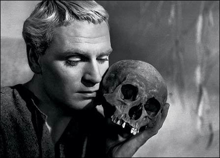 Dans quelle pièce de théâtre écrite par Shakespeare trouve-t-on la phrase  Etre ou ne pas être, telle est la question  ?
