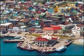 Saint-Pierre-et-Miquelon, c'est vers...