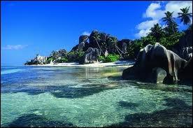 Terminons ce voyage avec les Seychelles, perle de l´océan...