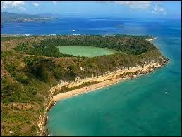L'archipel des Galapagos cher à Darwin fait partie du territoire...