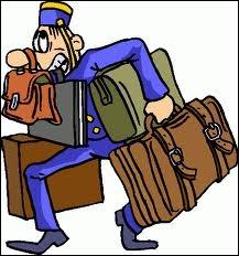 Il croulait sous des bagages encombrants :