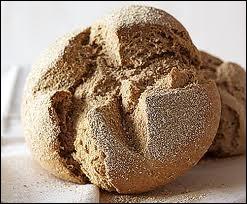 On la croit quelquefois folle, cependant voilà une céréale qui donne au pain une saveur douce sinon fade, mais qui le rend très digeste.