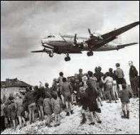 Quelle crise de la guerre froide a été le prélude à la partition de l'Allemagne et de Berlin ?