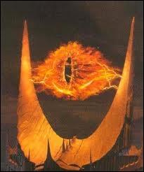 Dévoré par le pouvoir, il n'a plus de corps et n'est qu'un regard de feu qui fait régner le chaos. Pour l'anéantir, il faut détruire l'anneau pour les gouverner tous. C'est ?
