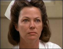 Celle-ci était si royalement méchante et perverse que lorsque le patient Jack Nicholson tente de l'étrangler la salle de cinéma entière hurle de joie. Le rôle valut un Oscar à son interprète. C'est ?