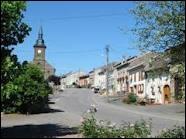 A la limite avec le département des Vosges, voici le village de Pexonne dont les habitants répondent au nom de ...