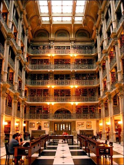 Vous aimez les livres et avez une bibliothèque. Mais quelle est la plus grande bibliothèque du monde, qui comprend... 32 000 000 livres et 65 000 000 manuscrits ?