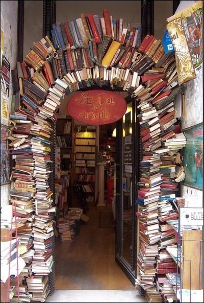 Vous aimez les livres, vous aimez tout lire. Quel Roi de France interdit toute publication de livres, et instaure la censure, confiée à une Commission du Parlement de Paris ?