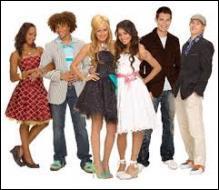 Quel est ce téléfilm Disney Channel diffusé en 2006 avec Zac Efron et Vanessa Hudgens ?