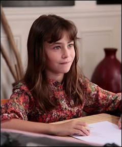 Comment s'appelle la petite soeur de Clem dans la série ?