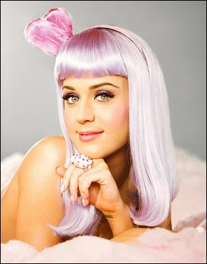 Au début du clip  Wide Awake , Katy Perry tourne un clip pour une autre chanson, comment se nomme-t-elle ?