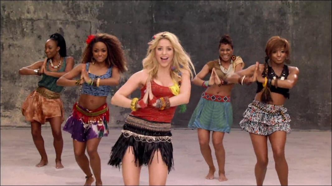 Comment s'appelle la chanson chantée par Shakira lors de la coupe du monde de 2010 ?