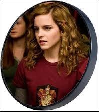 Avec qui sort-il, ce qui rend Hermione folle de jalousie ?