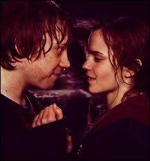 Où Hermione et Ron s'embrassent-ils ? (dans le film)