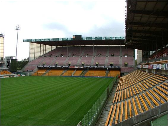 Dans quelle ville se trouve le stade Félix Bollaert ?