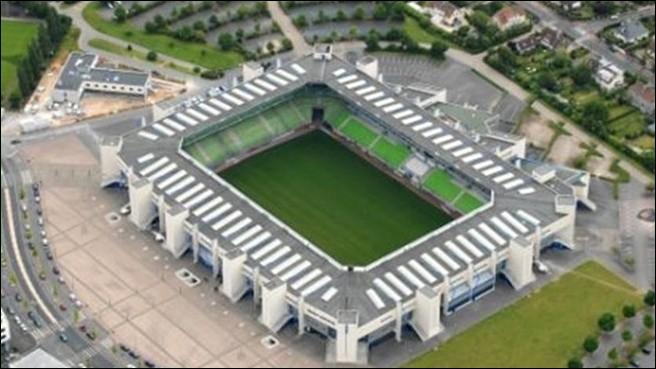 Dans quelle ville se trouve le stade Michel d'Ornano ?