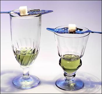 Cette boisson est aussi appelé « fée verte   voici ... .