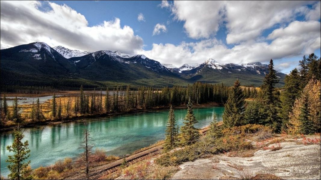 Cette ville est la capitale de l'Alberta, province canadienne, composée en grande partie de terres sauvages !
