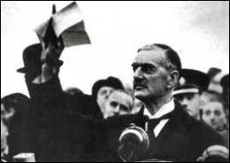 Les alliés franco-britanniques avaient conclu en 1924 un pacte d'assistance militaire avec ce pays garantissant ses frontières . Quelle a été leur attitude pendant la conférence ?