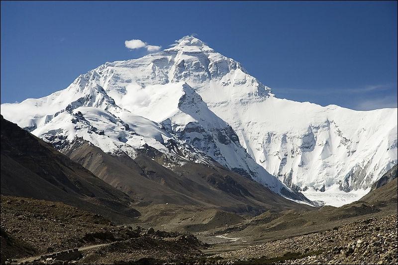 Quelle est la chaîne de montagnes la plus haute ?