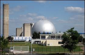 En quelle année a été mise en service la première centrale nucléaire en France ?