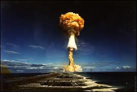 La France aussi a pourri un paradis terrestre en faisant des expériences nucléaires à...
