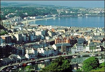 Depuis 1765, l'île de Man est indépendante bien que rattachée à la couronne britannique. Sa capitale est...