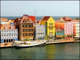 Et dans l'Atlantique, les Antilles néerlandaises sont gérées par la ville de...