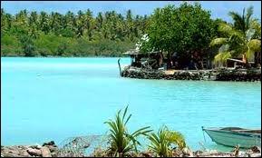 Terminons ce voyage un peu éprouvant dans un petit archipel du Pacifique (10 km²) devenu néo-zélandais en 1926. Je parle bien sûr de Tokelau et de sa charmante capitale :