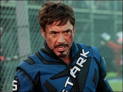 Que fait Robert Downey Jr habillé de la sorte ? Le grand prix de Monaco, évidemment ! Mais dans quel film se livre-t-il à cette course ?