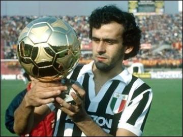 Michel Platini est considéré par certains comme étant le meilleur footballeur français du XXe siècle. Combien de fois a-t-il reçu le Ballon d'or au cours de sa carrière ?