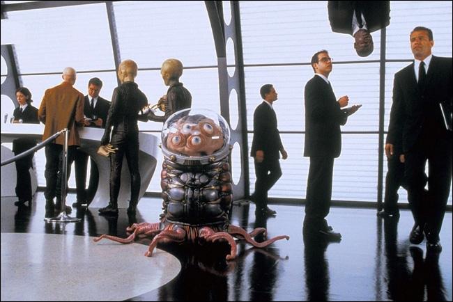 Film où l'on mêle extraterrestres et agence secrète. . Il s'agit de ?