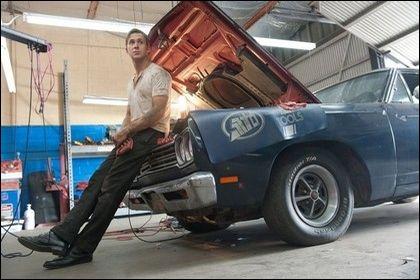 Film sorti en 2011, encensé par la critique et dans lequel il y a une histoire de voitures. Comment s'appelle-t-il ?