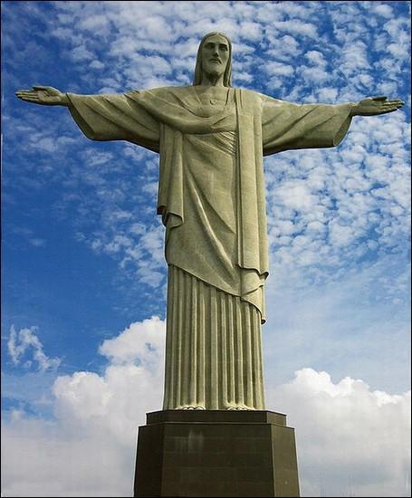 Dans quel pays se trouve la statue du Christ Rédempteur ?