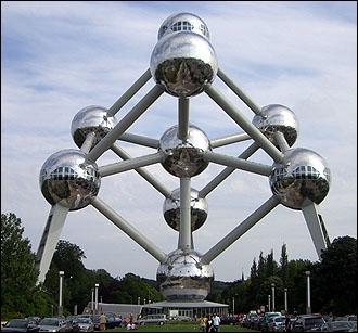 Dans quel pays se trouve l'Atomium ?