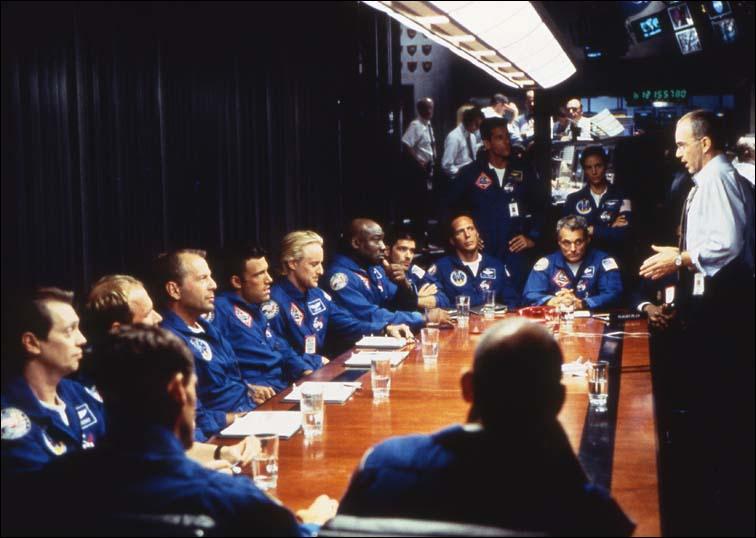 Quelle requête les hommes d'Harry demandent-ils à l'unanimité, en échange d'aller dans l'espace ?