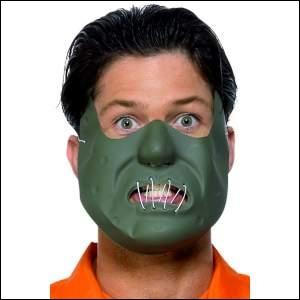 Ce masque représente un personnage, qui a une façon originale de respecter le serment d'Hippocrate, il dévore ses patients !