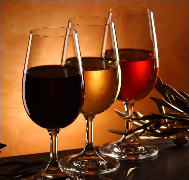 Vous appréciez le dessert mais, quel vin allez-vous associer à la fine pâtisserie de la couronne de roses ?