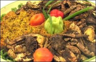 Non ! non ! le  matoutou  n'est pas élaboré avec des mygales. Délicieux plat de crevettes ou crabes, réalisable en 15 minutes. Quel est l' accompagnement traditionnel recommandé ?