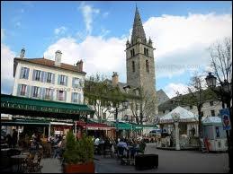 Je vais visiter la ville de Barcelonnette. Comment se nomment les habitants de cette ville Bas-Alpine ?