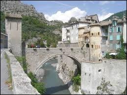 A Castellane, les habitants se nomment les ...