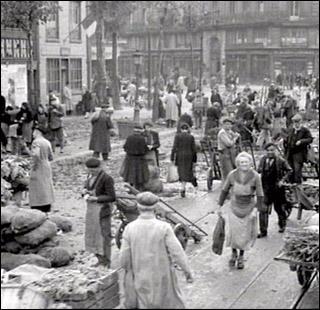 """Quelle caractéristique de la société française à la fin de la guerre est inexacte (photo issue de """"1945 - France année zéro"""" de Patrice Cabouat)"""