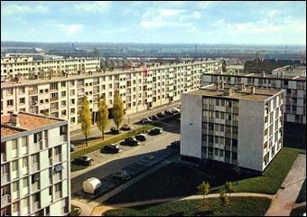 Quelle évolution n'est pas réelle jusqu'aux années 70 ? (Photo : Trappes dans la banlieue parisienne dans les années 70)