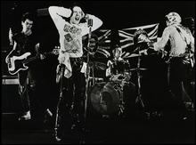 Quel membre des  Sex Pistols  a créé le groupe  Public image limited  ?